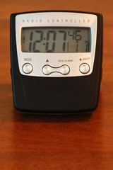 radio-controlled travel alarm clock